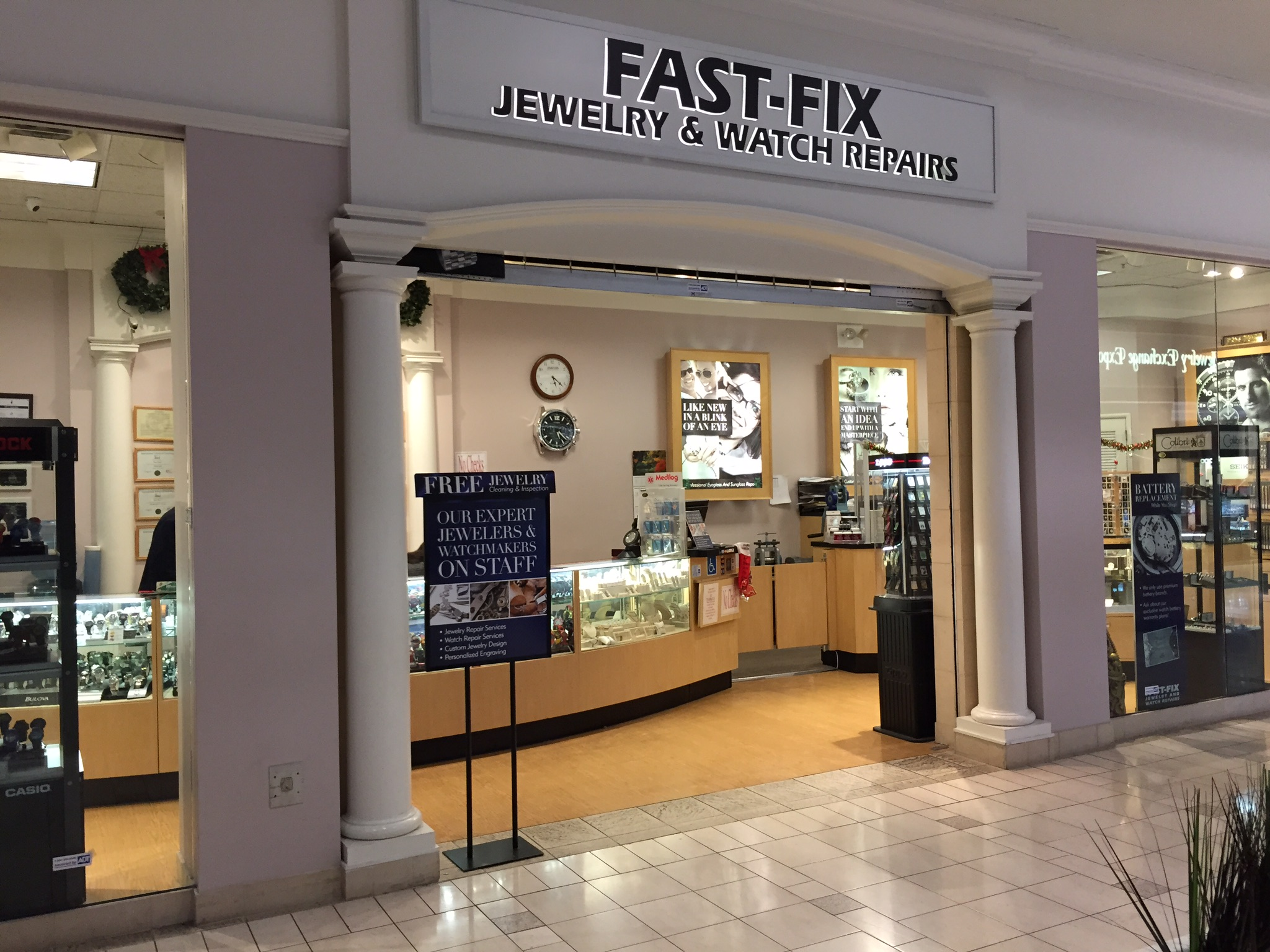 Fast Fix store front at Sunvalley Mall