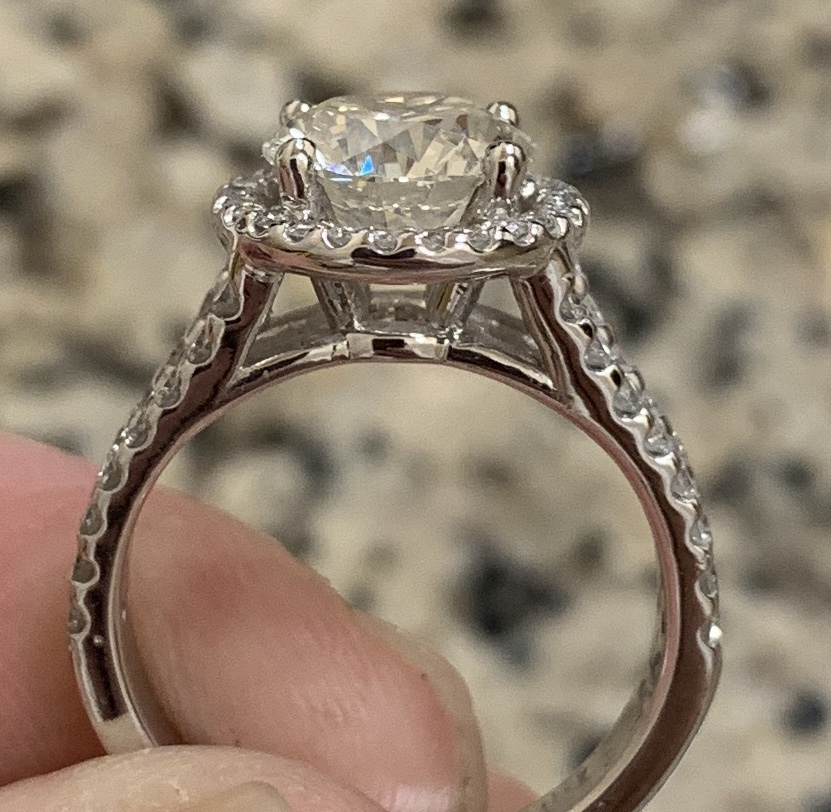 1 carat round diamond ring with halo