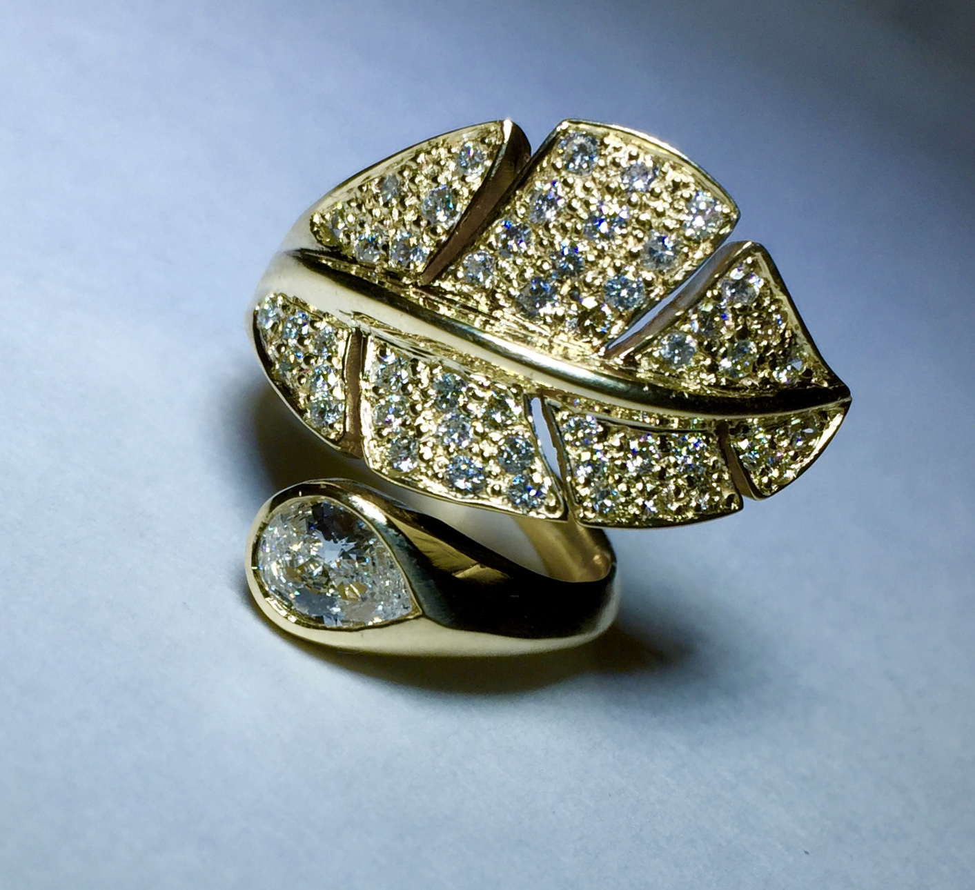 18K yellow gold and Diamonds