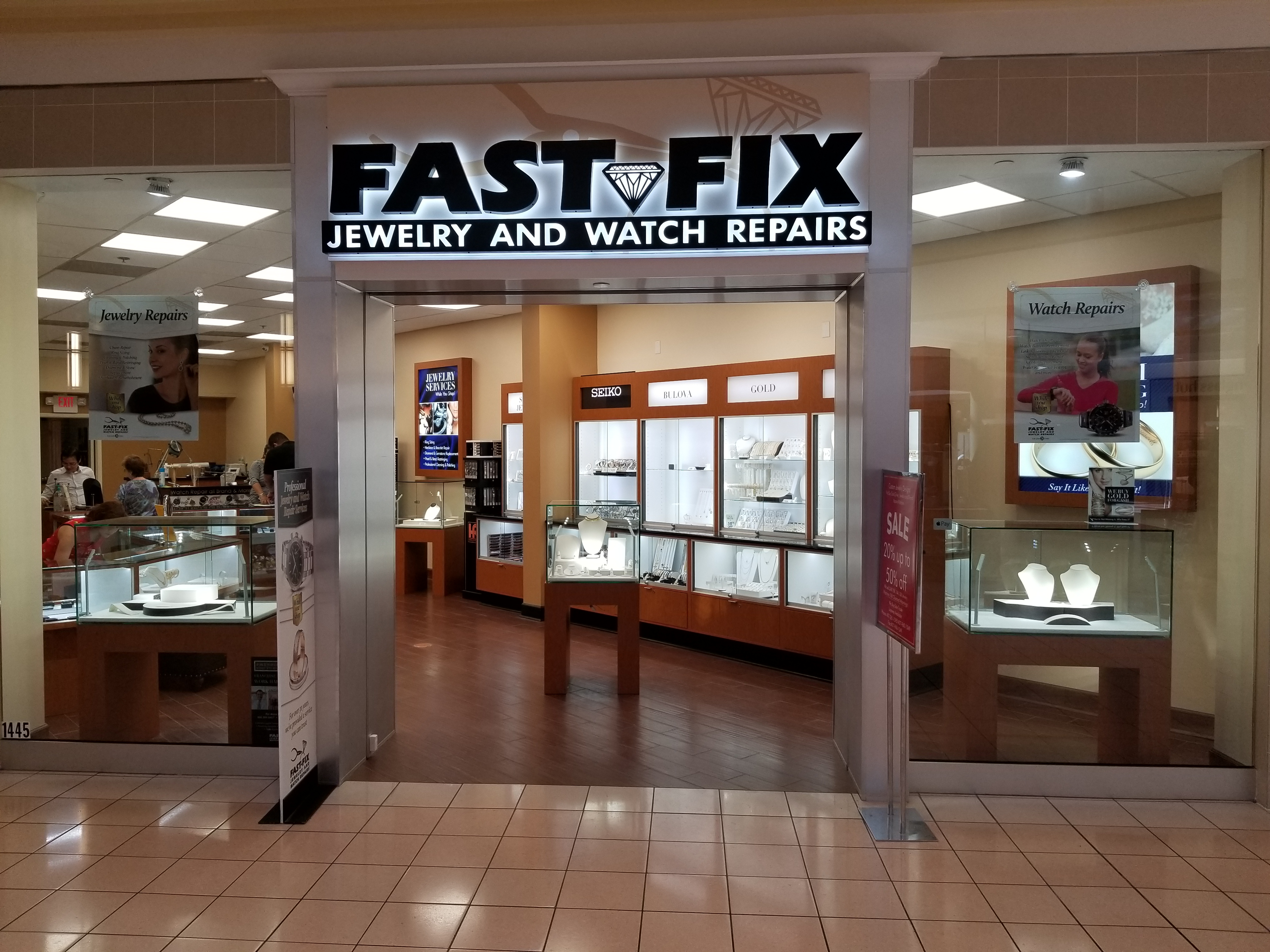 Store front of a Fast-Fix franchise in a mall